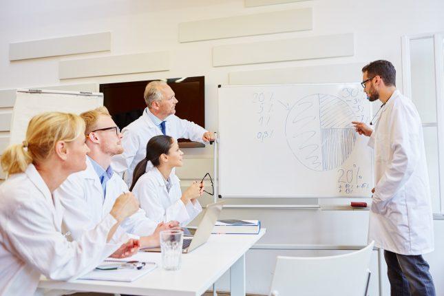 הדרכת רופאים. הובילה לשיפור משמעותי בכישורים של אנשי המקצוע