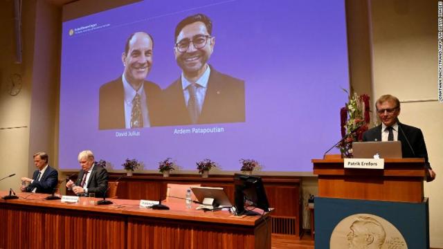 ועדת פרס נובל בעת ההכרזה על הפרס